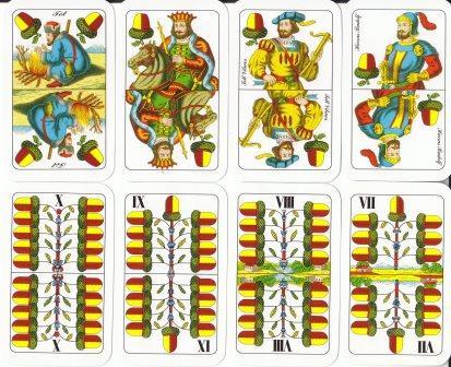 A lapok erősorrenje: ász, király, felső, alsó, tízes, kilences, nyolcas, hetes.